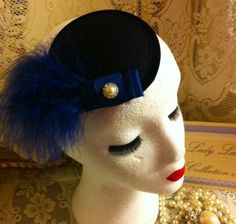 VINTAGE NAVY BLUE VELVET HEADPIECE HAT FASCINATOR PEARL DIAMANTE FEATHER PIN UP