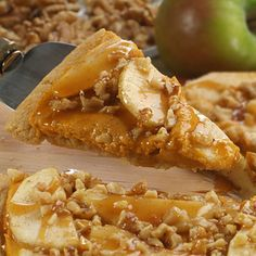 Pumpkin Apple Dessert Pizza (Easy; 12 servings) #pumpkin #apple #pizza
