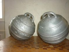 ANCIENNE PAIRE BOULE DECORATION MARINE ALUMINIUM FLOTTEUR FILETS PECHE HERCULES
