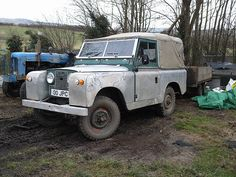 land rover SWB + trailer     sweet car