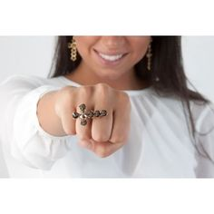Diamond Earrings, Brooch, Renaissance, Jewelry, Fashion, Bib Necklaces, How To Take Photos, Moda, Jewlery
