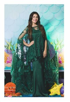 Ayeza Khan Looking Stunning in Emerald Green Outfit by on Hoorain Birthday Bash 🎂🎉 Styled by Asian Wedding Dress Pakistani, Pakistani Gowns, Pakistani Dress Design, Pakistani Outfits, Pakistani Actress, Dress Indian Style, Indian Dresses, Bridal Outfits, Bridal Dresses