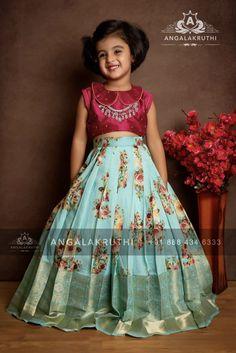 Girls Frock Design, Kids Frocks Design, Baby Frocks Designs, Baby Dress Design, Kids Dress Wear, Kids Gown, Party Wear Dresses, Lehenga Designs, Half Saree Designs