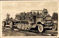 Ansichtskarte / Postkarte Deutsche Wehrmacht, Schweres motorisiertes Geschütz auf dem Marsch, Krauss Maffei Kettenfahrzeug