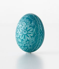 Scratched/Etched Pysanky Artists - The Crafts Dept. Carved Eggs, Egg Tree, Scratch Art, Egg Decorating, Chickens Backyard, Spring Crafts, Easter Crafts, Easter Eggs, Decorative Bowls