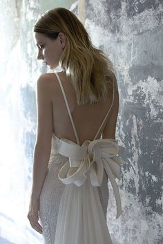 Collezione Signature 2014 - Elisabetta Polignano: abito da sposa con schiena nuda #wedding #weddingdress #weddinggown #abitodasposa