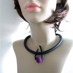 Modern rubber necklace with soft merino wool by DutchieJewel, €22.00