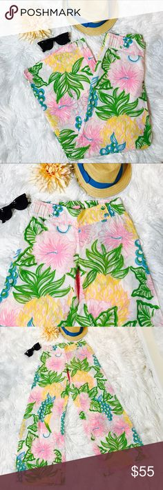 """Lilly Pulitzer Floral Linen Beach Pants Super comfortable & perfect outfit for the beach. Wide leg, elastic waist & 100% Linen. Laid flat across @ waist: 14"""" (stretchable waist), Length: 38"""", inseam: 30"""". NWOT Lilly Pulitzer Pants Wide Leg"""