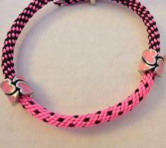 New PERFECT FIT Kumihimo Braided Split Pattern Pink and Black  Bracelet with Magnetic Clasp and 2 Pink Heart Beads $14.99