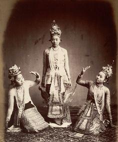 Burmese Dancers - Philip Adolphe Klier, 1880