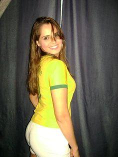 Apaixonada por futebol e pela minha seleção brasileira!!!