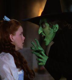 Margaret Hamilton & Judy Garland in The Wizard of Oz 1939