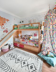 Color and style perfection! Boy And Girl Shared Bedroom, Baby Bedroom, Little Girl Rooms, Girls Bedroom, Bedroom Ideas, Creative Kids Rooms, Cool Kids Rooms, Kids Room Design, Cozy Room