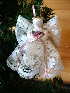 Includes 4 Victorian Handmade Lace Angels 2 ecru lace with burgundy ribbon 2 ecru lace with dusty rose ribbon These angels are intricate,delicate and add a se Christmas Angel Crafts, Christmas Ornaments To Make, Christmas Projects, Holiday Crafts, Christmas Crafts, Christmas Decorations, Christmas Poinsettia, Crochet Christmas, Homemade Christmas