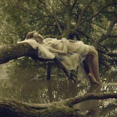 Foto Fantasy, Fantasy Art, Story Inspiration, Character Inspiration, Foto Nature, Yennefer Of Vengerberg, Theme Nature, Nature Spirits, Forest Fairy