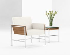 Taking a sculptural approach to lounge seating, Aloft rises above the others to provide an awe-inspiring experience. An upholstered body, encased in elegant wood, is supported by a minimalistic metal frame to create a virtual suspension effect that defies gravity and captures the imagination.