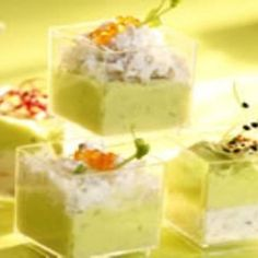 Appetizers for the Holidays - Delicious and easy to make! Crab and avocado mousse Shot Glass Appetizers, Finger Food Appetizers, Finger Foods, Appetizer Recipes, Tapas, Unique Recipes, Great Recipes, Avocado Mousse, Cuisine Diverse
