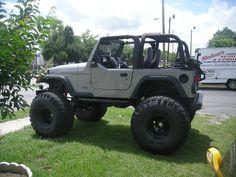 2000 lifted jeep wrangler