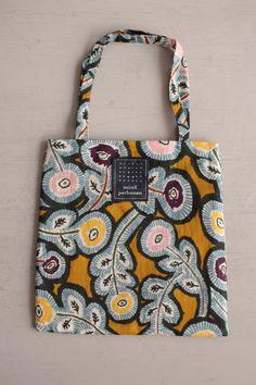 Textile Patterns, Textile Design, Textiles, Diy Bags Purses, Layered Fashion, Bag Storage, Mini Bag, Bag Making, Fashion Bags