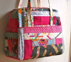 quilt as you go technique on Amy Butler's Weekender Bag pattern   http://www.ohfransson.com/oh_fransson/2012/09/quilted-weekender-bag.html