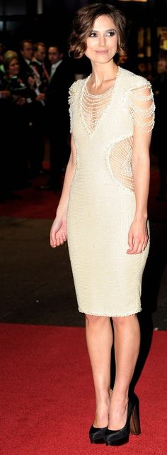 Pelo Corto en LondreS Keira Knightley y Carey Mulligan - Esta Noche Soy Una Princesa