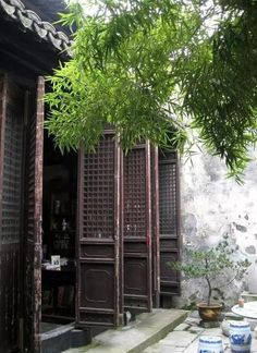 A southern style traditional Chinese courtyard / padio Ancient Chinese Architecture, China Architecture, Architecture Design, Chinese Interior, Asian Interior, Interior And Exterior, Chinese Courtyard, Chinese Garden, Traditional Chinese House