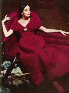 Helmut Newton Raoul Couture Vogue-1960