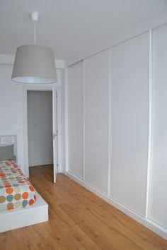 Trendy bedroom design grey built ins ideas Wardrobe Design Bedroom, Bedroom Closet Design, Home Room Design, Home Bedroom, Interior Design Living Room, Wardrobe Door Designs, Closet Layout, Bedroom Cupboards, Build A Closet