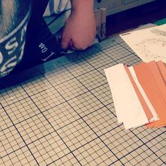 Soo viele lesezeichen hab ich euch schon gezeigt. ❤  Jetzt zeig ich euch im schnell durchlauf. 🤗  Tadaaa würd ich mal sagen🥰😍 Www.bymona.ch . . . #shirt #harrypotter #leviosa #lesezeichen #buchzeichen #bookmarks #bookreader #booklover #readingtime #timeformyself #timeforme #monavohandgmacht #handmadebook #handmade #selfmade #papierwerk #papierdesign #alexandrarenke #designpapier Grid, Paper Mill, Marque Page, Word Reading