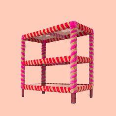 Emma Wessel creëert inspirerende scenario's voor mogelijke toekomsten en geeft nieuwe ideeën aan merken en bedrijven met een ontwerpperspectief. In haar werk beweegt ze zich tussen de wereld van scenariodenken en productdesign met een grote focus op mode. 'shelly twister' Contemporary Artists, Magazine Rack, Storage, Home Decor, Purse Storage, Decoration Home, Room Decor, Larger, Home Interior Design