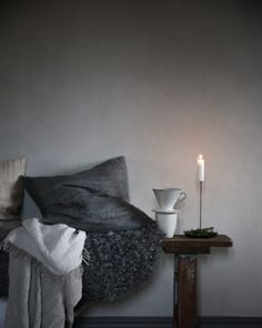 [ Inspiration de Noël 2018 ] En clair obscur // Anna Kubel blog Turbulence Deco, Branches, House Warming, Inspiration, Bean Bag Chair, December, Anna, The Incredibles, Living Room