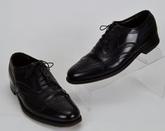 The Florsheim Imperial  Men's 8 D Vtg Black Leather Lace Up Wingtip Oxfords Shoes by LeighsVintageStore on Etsy
