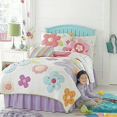 Latest Free of Charge bed cover for girls Concepts - I'm Susan My curtain site Bedroom Sets, Girls Bedroom, Bedding Sets, Quilt Baby, Bed Covers For Girls, Flower Quilts, Girls Quilts, Applique Quilts, Quilt Sets