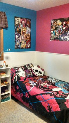 Monster high bedroom ideas! http://cakemomma79.blogspot.ca/2014/03 ...