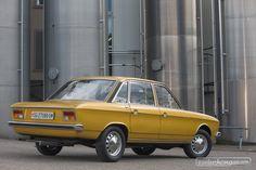 VW K 70 L (1970) - ein fast schon geometrisches Design Unsere VW-Bildermagie: https://www.zwischengas.com/de/bildermagie/vw?utm_content=buffer27700&utm_medium=social&utm_source=pinterest.com&utm_campaign=buffer Foto ©Daniel Reinhard
