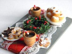 Christmas Coffee Table - 1/12 scale Dollhouse Miniature. €40.00, via Etsy.