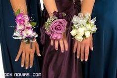 Resultado de imagen de pulsera flores naturales dama de honor