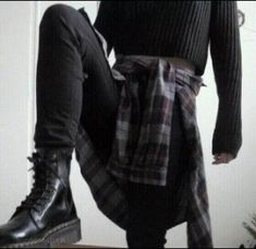 jacket black shoes black jeans flannel shirt grunge shoes grunge grunge wishlist sweater Source by hannahpitzz Our Reader Score[Total: 0 Average: Related photos:Mein Babysitter (BTS K. Mode Grunge, Grunge Look, Black Grunge, Black Outfit Grunge, Soft Grunge Style, Grunge Men, Black Goth, 90s Grunge, Mode Outfits