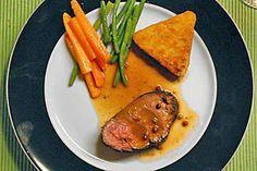 Das perfekte Rinderfilet mit Balsamicosauce-Rezept mit einfacher Schritt-für-Schritt-Anleitung: Den Ofen auf 80°C vorheizen. Unter dem Rost eine kleine…