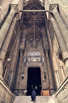مدخل جامع الرفاعي El-Refaye mosque entrance Islamic Cairo Egypt