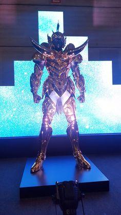 As 12 armaduras de ouro da CCXP são as coisas mais legais que você já viu - TecMundo