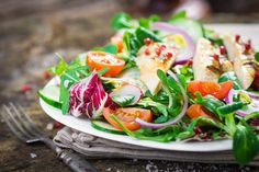 5 Dressings, 11 Deliciously Easy Spring Salads [Infographic]