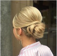 Found this awesome updo on modern salons Instagram.