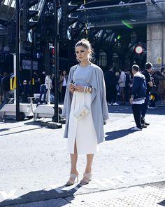 Le printemps en 10 couleurs clés de Pantone. Les trendistas sont sous le charme et s'éclatent dans la rue , tout sur LOULOUmagazine.com.