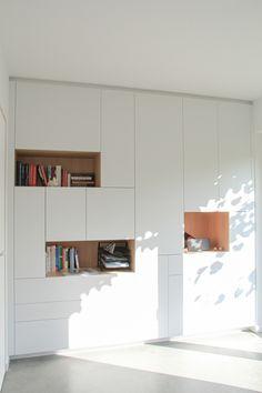 Hallway Cupboards, Built In Cupboards, Bedroom Cupboards, Bedroom Closet Design, Home Room Design, Closet Designs, Bookshelves Around Fireplace, Ikea Wall, Modern Office Design