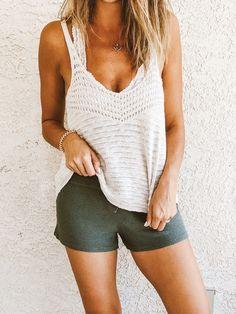 Free Knitting Pattern for Easy Streamline Tank - Easy sleeveless top knit in . Crochet Tank Tops, Crochet T Shirts, Crochet Clothes, Crochet Top, Crochet Pattern, Summer Knitting, Free Knitting, Knit Fashion, Dress Fashion