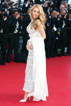 Blake Lively is back on the Cannes 2014 red carpet, this time in beautiful sparkling Chanel http://uk.bazaar.com/1jHqbGE