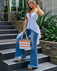 Image may contain: 1 person, standing Classy Outfits, Casual Outfits, Cute Outfits, Dress Outfits, Fashion Dresses, African Blouses, Business Outfits Women, Summer Outfits For Teens, Couture