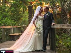 Make Your Most Precious Moment Last A Lifetime!  View Our World Class Wedding Photographers in Sacramento, Check Their Reviews, and Contact Them Directly.