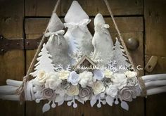 Christmas Is Coming, Christmas Art, Christmas Projects, Christmas Wreaths, Christmas Decorations, Felt Crafts, Holiday Crafts, Christmas Village Display, Xmax